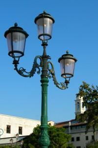 異国の街灯iPhone壁紙