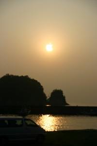 海辺の朝焼けなiPhone壁紙